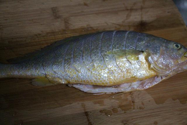 糖醋黄花鱼的做法