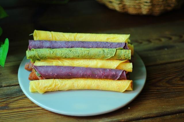 一个平底锅轻松在家烙出酥香脆的鸡蛋卷,步骤简单,值得收藏
